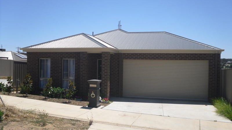5D Railway Street, Kangaroo Flat, Vic 3555