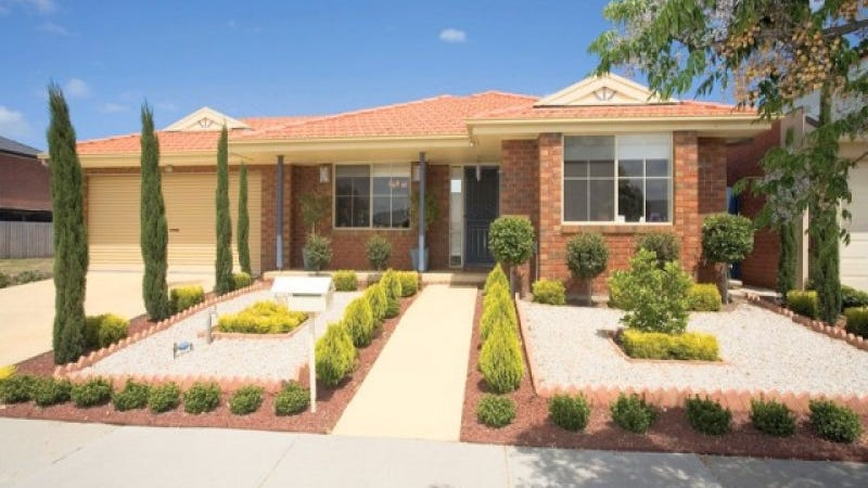 10 Grassy Point Road, Cairnlea, Vic 3023