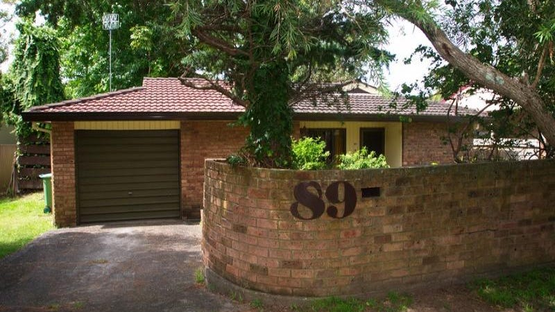 89 Albatross Road, Berkeley Vale, NSW 2261