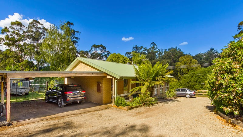 2 Stringybark Road, Cockatoo, Vic 3781