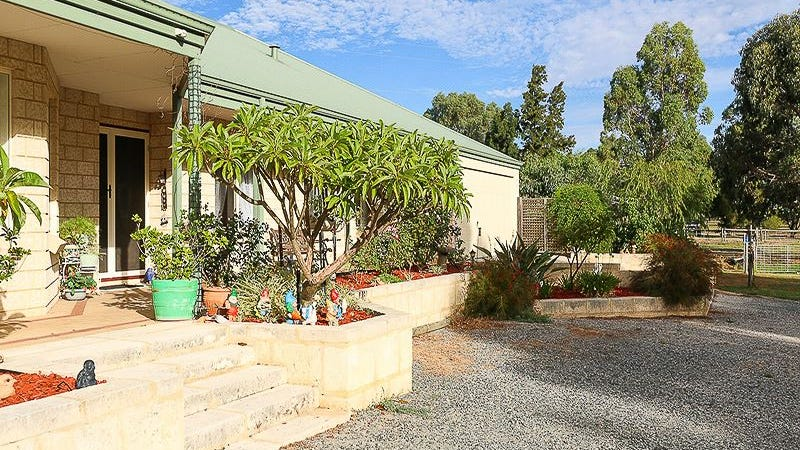 5 Canter Court, Orange Grove, WA 6109