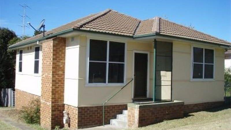 26 Carr Parade, Unanderra, NSW 2526
