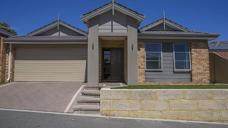 7 Peebles Cross, Sinagra, WA 6065