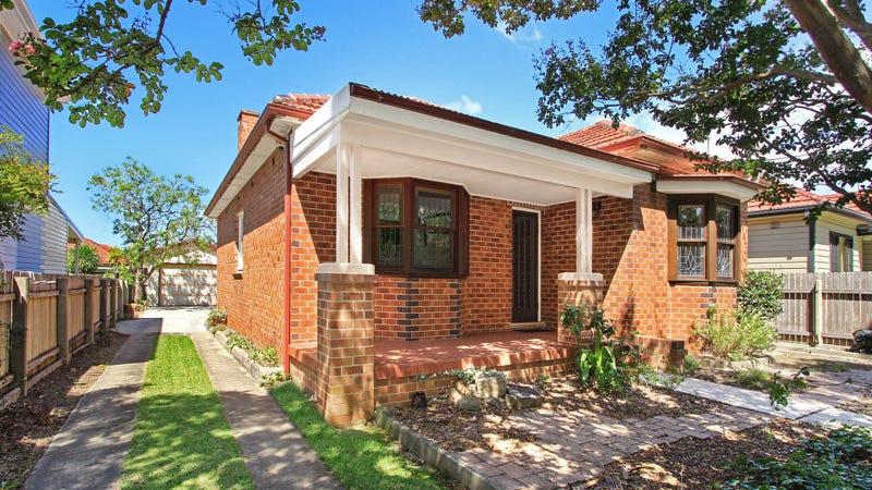 5 Mountview Avenue, Gwynneville, NSW 2500