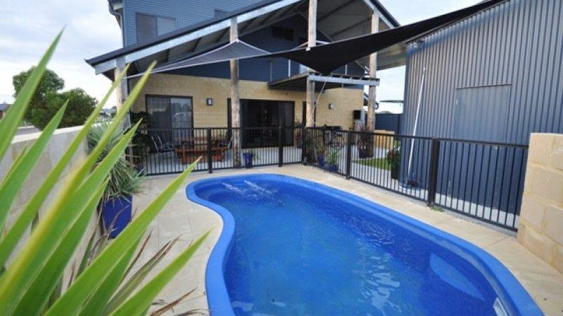 2 Nemcia Way, Jurien Bay, WA 6516
