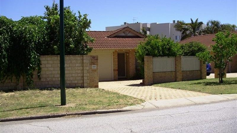 1/6 Groves Avenue, Attadale, WA 6156