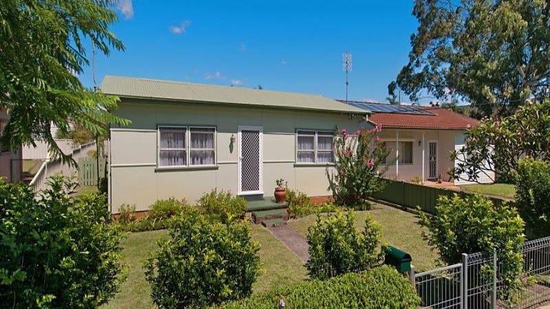 33 Boronia Avenue, Woy Woy, NSW 2256