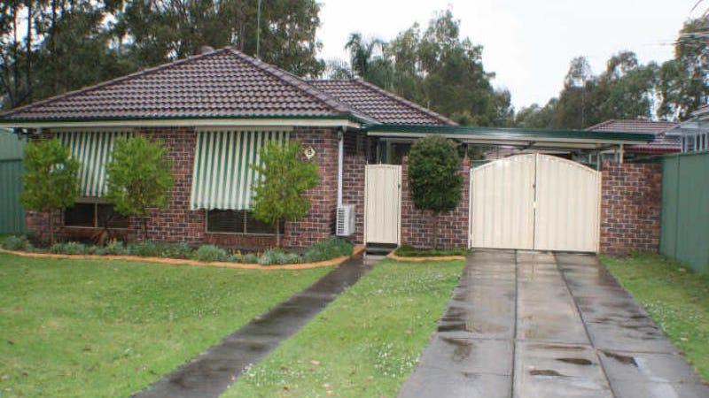 8 Beethoven Place, Cranebrook, NSW 2749
