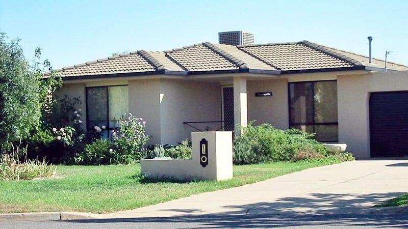 4 Chambers Place, Wagga Wagga, NSW 2650