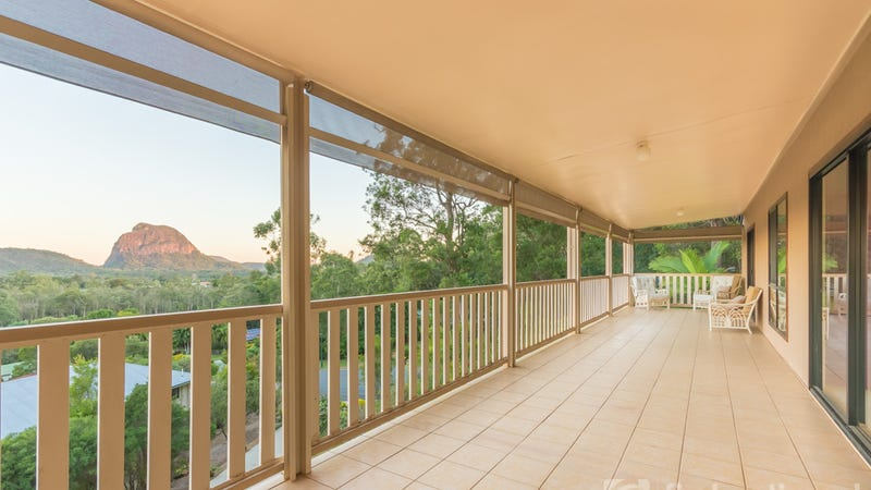 7 knowles place glass house mountains qld 4518