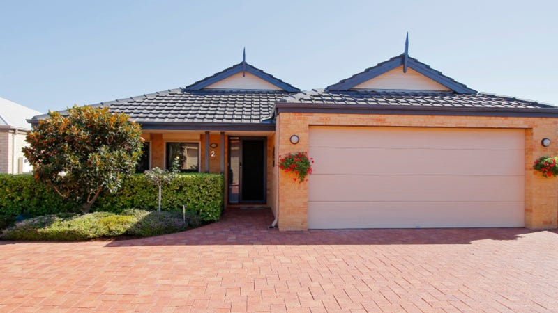 2/8 Haigh Road, Canning Vale, WA 6155