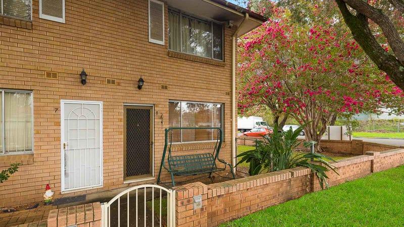 8/100 Wattle Avenue, Carramar, NSW 2163