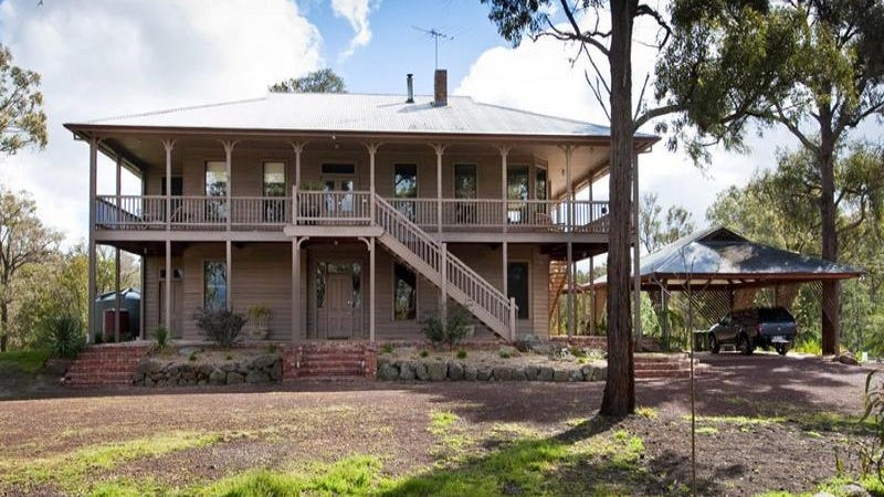 25 Mountain View Road, Hurstbridge, Vic 3099