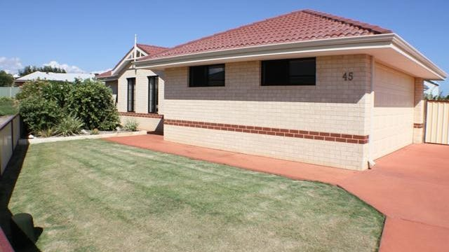 45 Wave Crest Circle, Drummond Cove, WA 6532