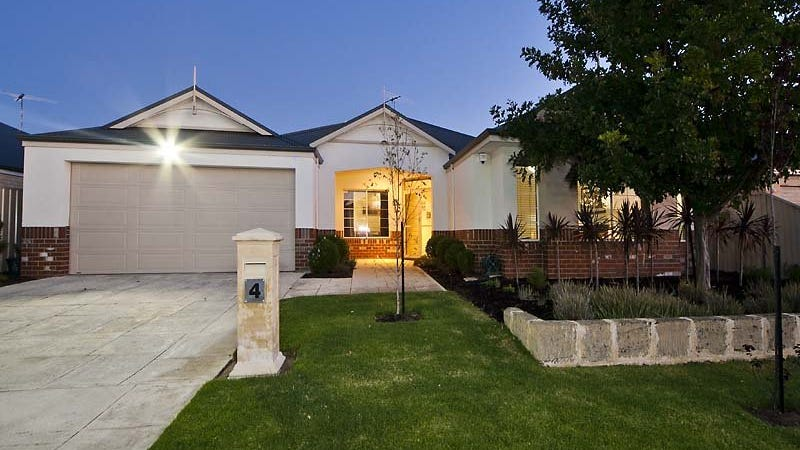 4 Drosera Approach, Wattle Grove, WA 6107
