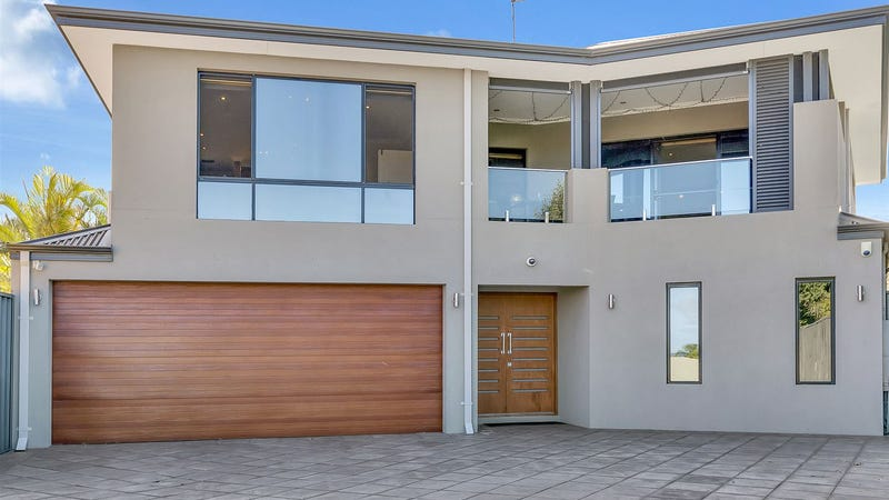 33 Sheffield Place, Hillarys, WA 6025