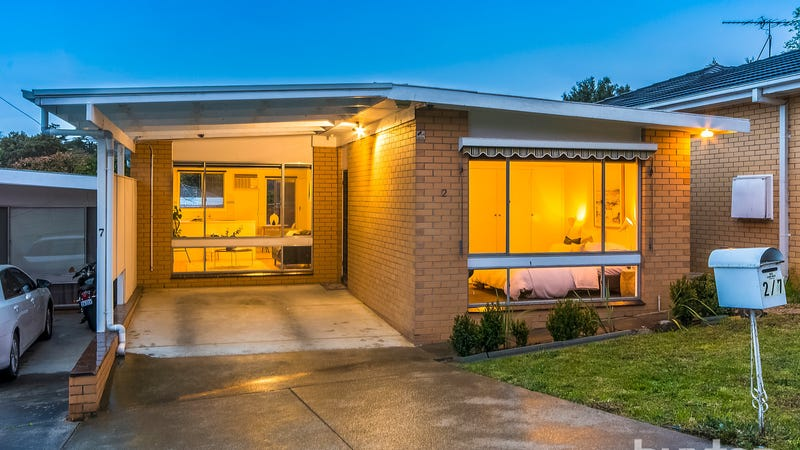 2/7 Ferndale Parade, Highton, Vic 3216