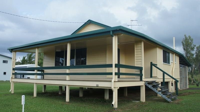 121 taylor street tully heads qld 4854