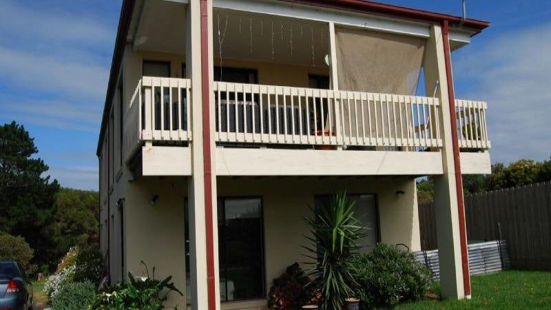 8 Seaview Cres, Kilcunda, Vic 3995