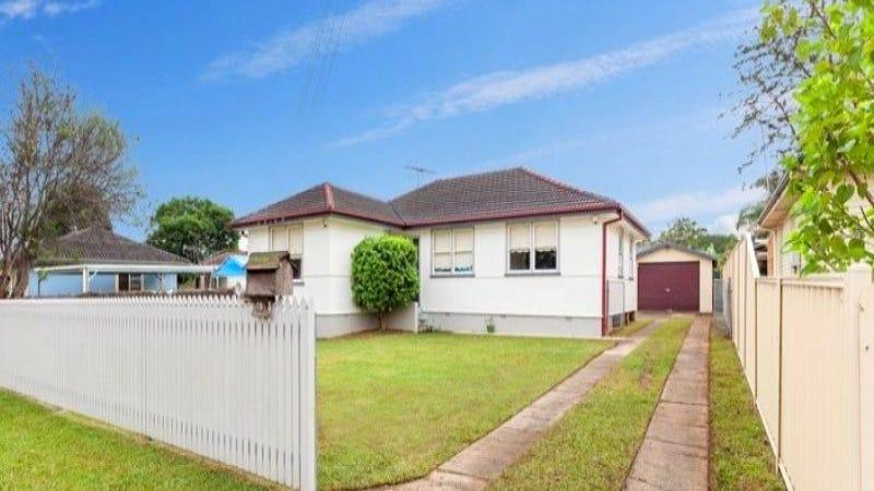 18 Komiatum Street, Holsworthy, NSW 2173