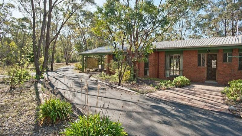 11 Grevillea Court, Long Forest, Vic 3340