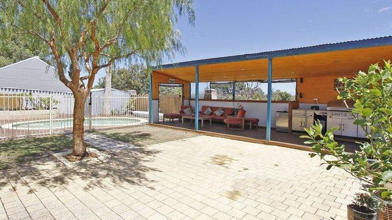 5 The Crest, Cockburn Central, WA 6164