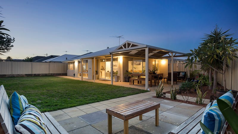 14 Sundowner Meander, Banksia Grove, WA 6031