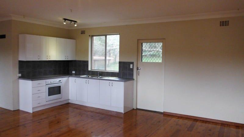 55 Albatross Road, Berkeley Vale, NSW 2261