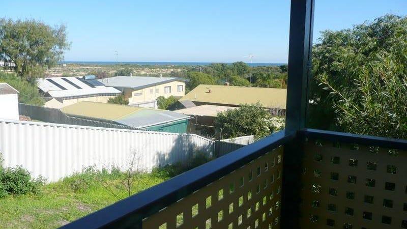 7 Caroline Way, Madora Bay, WA 6210