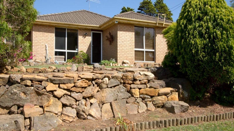 11 Murphys Lane, Wentworth Falls, NSW 2782