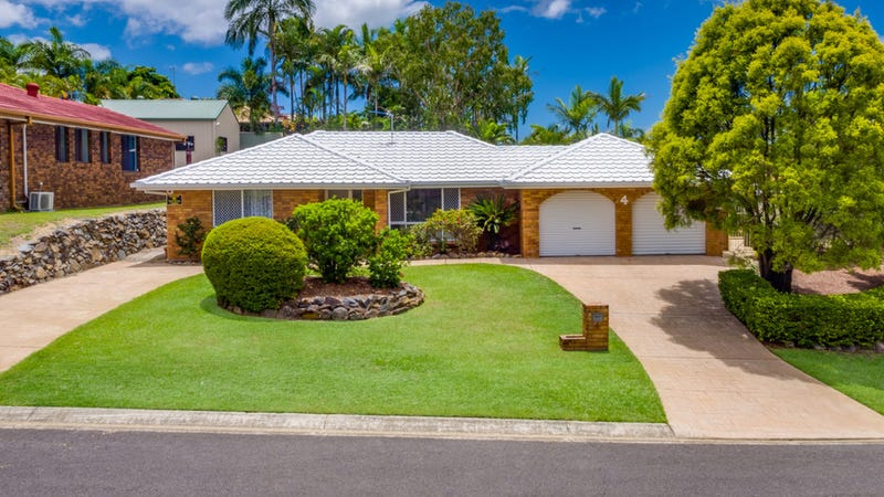 4 Perth Square Highland Park Qld 4211