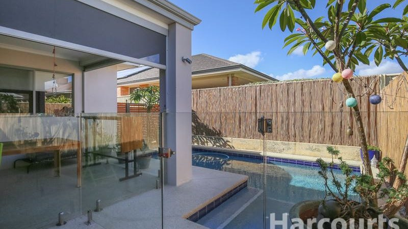 20 Quarram Cres, Burns Beach, WA 6028