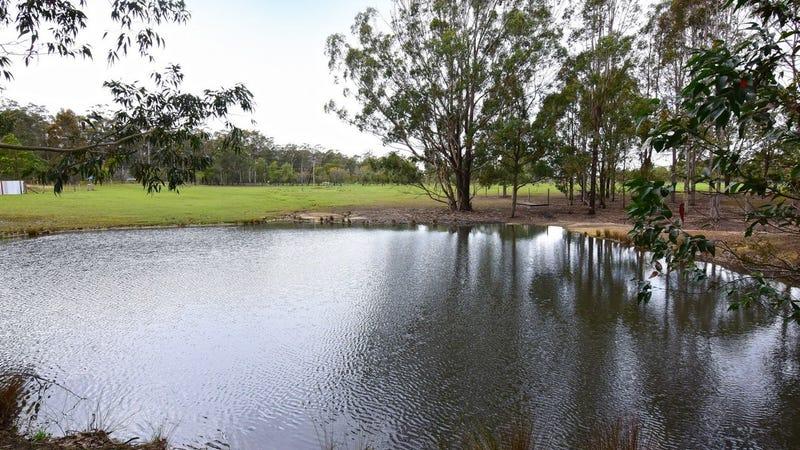 132 Jervis Bay Road, Falls Creek, NSW 2540