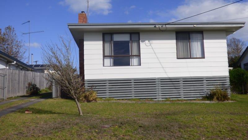 31 Margaret Street, Moe, Vic 3825