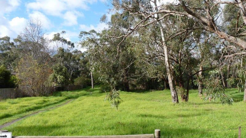 2 Miller Grove, Ringwood East, Vic 3135