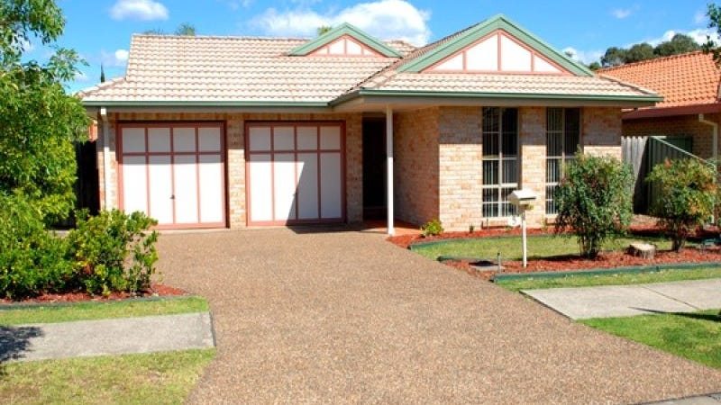 5 Cressbrook Drive, Wattle Grove, NSW 2173