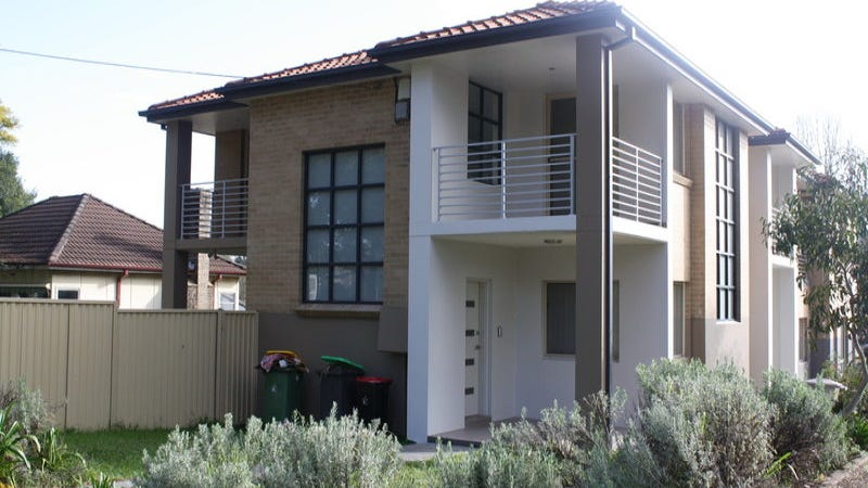 8 Enright Street, East Hills, NSW 2213