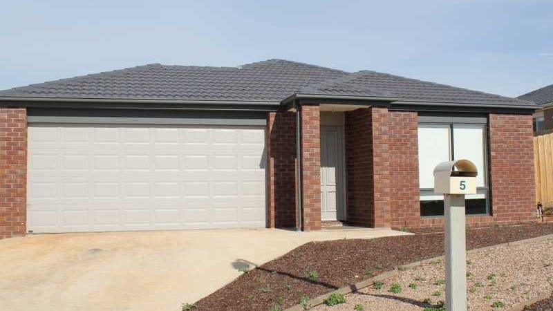 5 Fourth Mews, Maddingley, Vic 3340