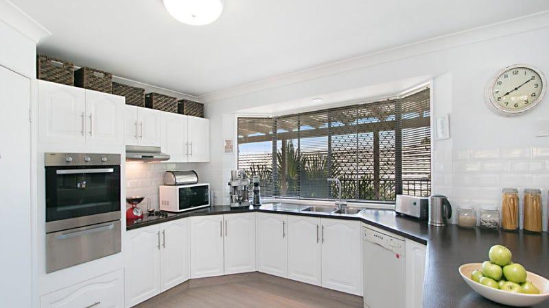 17 Manuka Road, Banora Point, NSW 2486