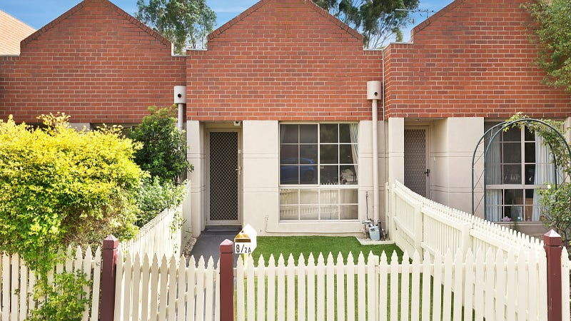 8/2A Cameron Road, Essendon, Vic 3040