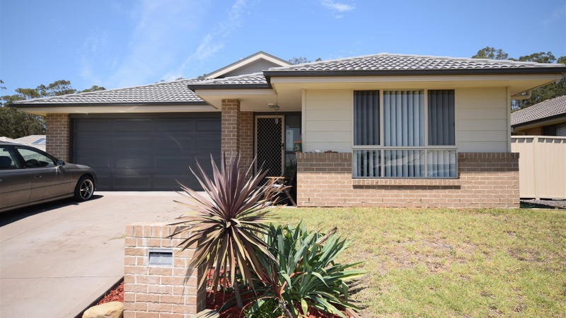 3 Candlebark Close, West Nowra, NSW 2541