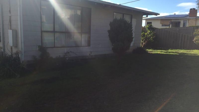 36 Margaret Street, Moe, Vic 3825