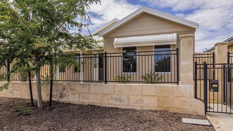 6 Cheney Loop, Secret Harbour, WA 6173