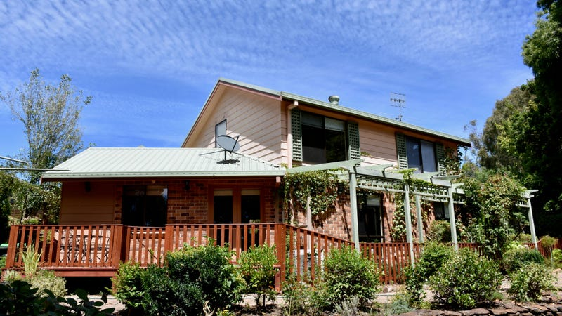 9 Florence Cres, Armidale, NSW 2350