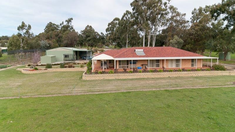 169 Strawberry Hill Drive, Gidgegannup, WA 6083