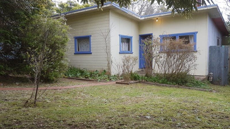 29 Armstrong Street, Wentworth Falls, NSW 2782