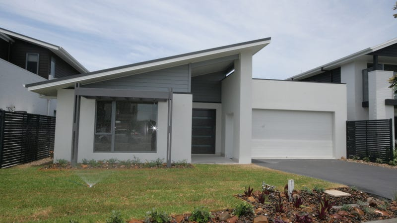 68 Pebble Beach Avenue Magenta Nsw 2261