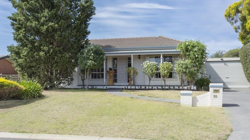 36 Mayfield Parade, Strathdale, Vic 3550