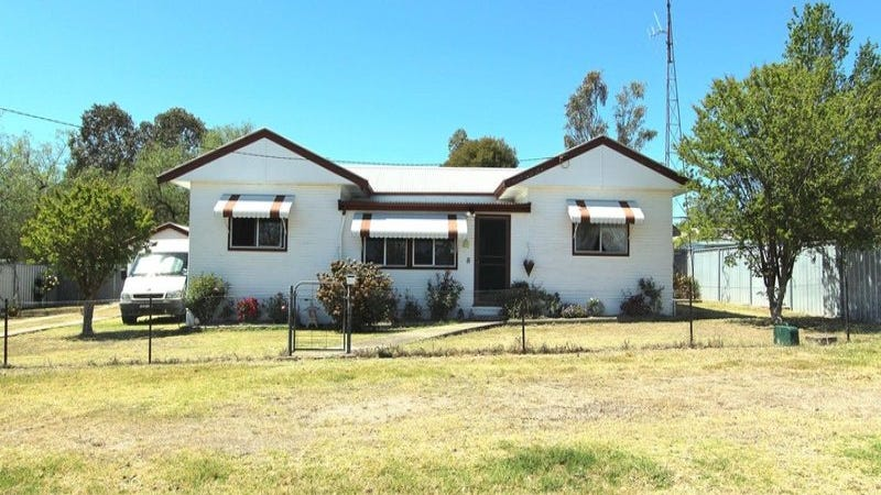 8 Bala Street, Ashford, NSW 2361