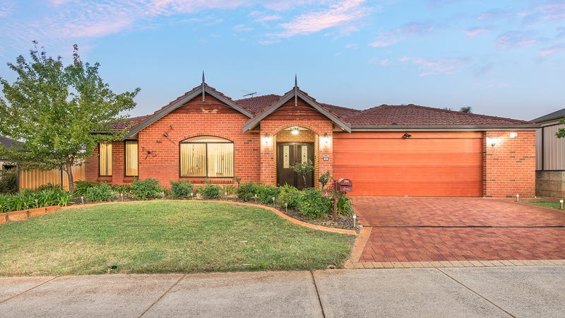 4 Mccallum Pwy, Bertram, WA 6167